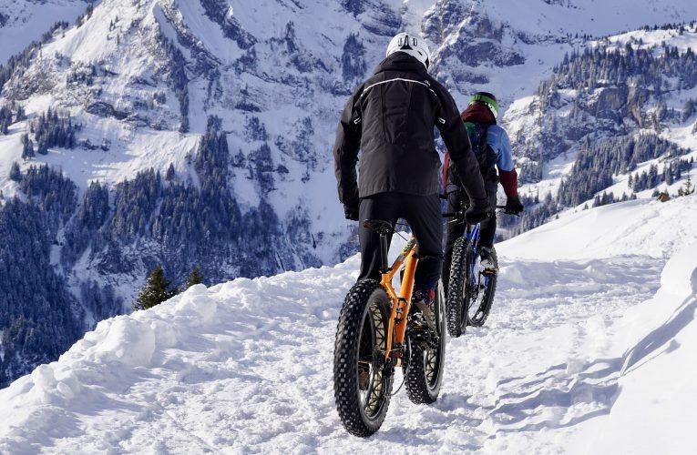 A kerékpározás jót tesz a fenékformálásnak